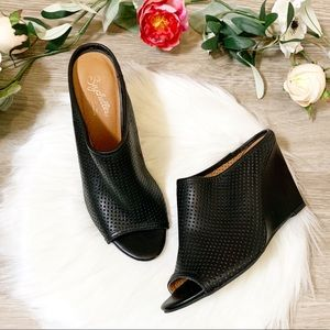 Seychelles Perforated Leather Mule Black 7